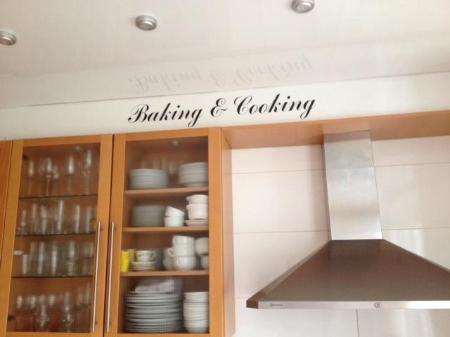 Muurteksten Keuken : baking & cooking muursticker keukensticker > Voor de leukste keukens!